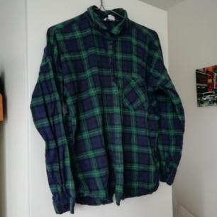 Finaste flannel-skjortan från Monki. Storlek M. 60kr + frakt👽