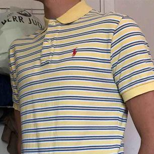 Pike från Ralph Lauren, Strl S herrmodell men passar unisex🌻 100kr Knappt använd💞