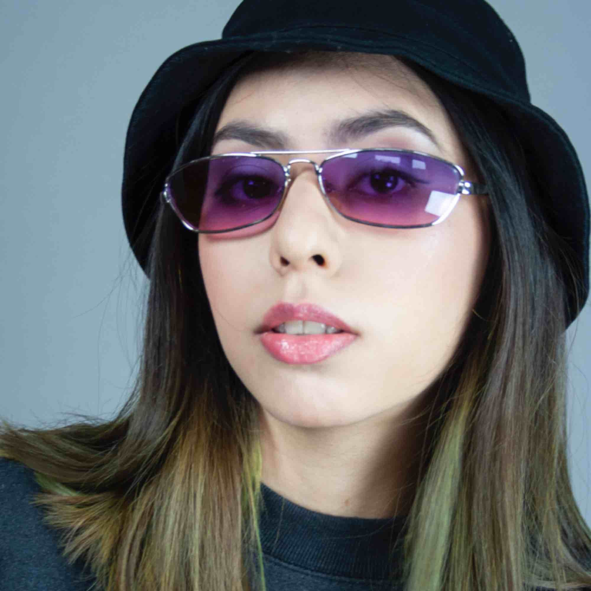 00s Y2K FUNK slim oval rectangular sunglasses shades in purple  SIZE One size Model: 165/XS Measurements: Frame: 14.5 cm/ 5.7