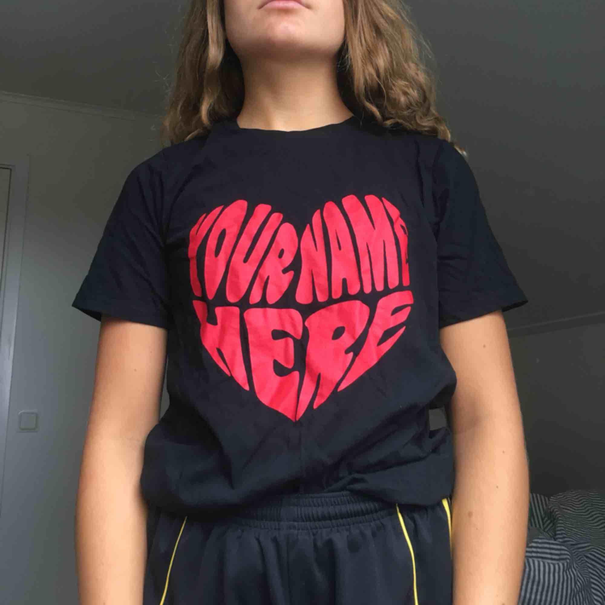 Tröja från Gina tricot som endast är använd en gång!❤️. T-shirts.