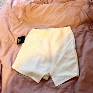 Shorts som ser ut som kjol, oanvänd