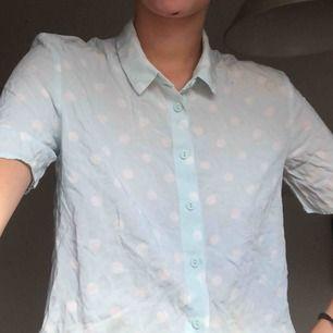 supersöt skjorta! 💙💙💙💙 frakt tillkommer