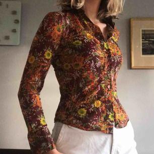 Vintage skjorta i mycket gott skick! Passar xs/s. +Frakt 12kr