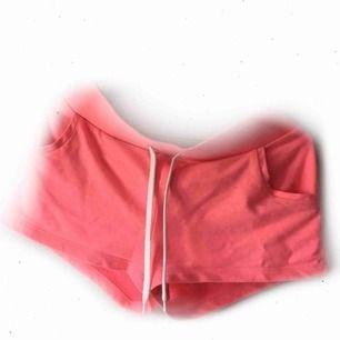Rosa mjukisshorts från H&M 59:- inkl. frakt Passar även strl. M
