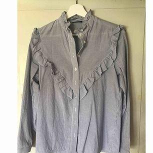 Skjorta från Trendydoll, sparsamt använd. Avhämtning eller så står köparen för frakt