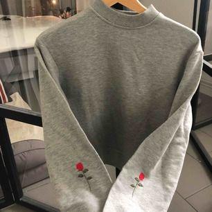 Sweatshirt från nakd, knappt använd Frakt 50kr