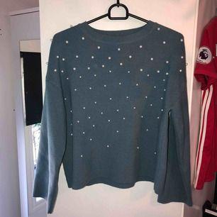 Jättefin tröja från Chiquelle med pärlor. Sparsamt använd. Köparen står för frakt😊