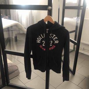 Hollister hoodie med dragkedja Frakt 50kr