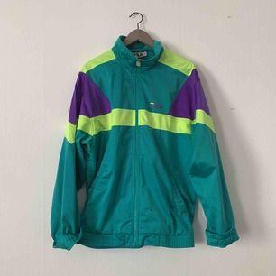 Oversized vintage FILA zipper, långa ärmar men ser bra ut om man viker upp