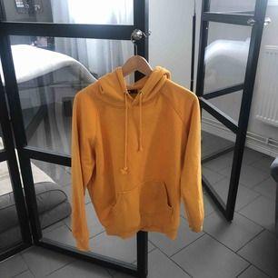Oversized hoodie från bikbok Frakt 50kr