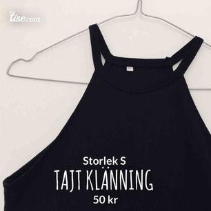 En kort takt klänning som sitter åt och visar ens former perfekt! Passar skitbra till en sommarfest eller varför inte en sommar dejt? 💕