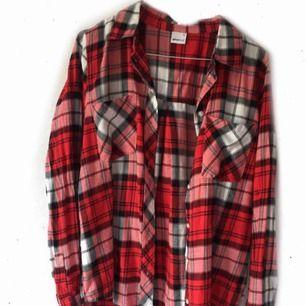 Rutig bommulsskjorta 79:- inkl. frakt Använd 2 gånger