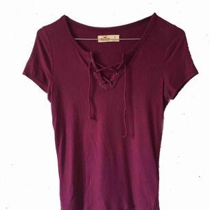 Knytbar tshirt 89:- inkl. frakt Mörklila åt det vinröda hållet