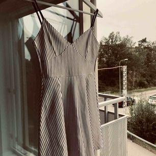 Söt klänning! Köpt i Kina.