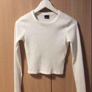 Vit tröja från Gina  60 kr (med frakt)