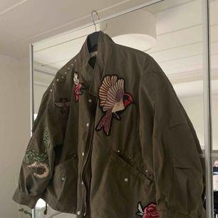 Oversize jacka från H&M. As cool. Bra skick. Frakt tillkommer