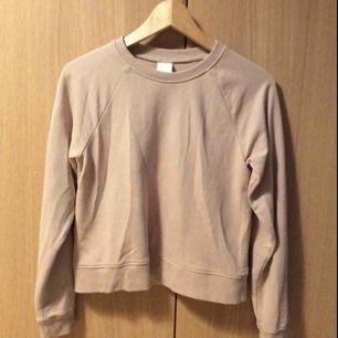 Rosa tröja från H&M  50 kr (med frakt)