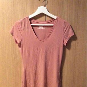 Rosa t-shirt från JC