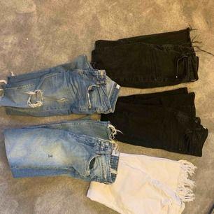 Alla jeans är i olika storlekar & modeller. Vid intresse kontakta så får ni bilder. Alla är i bra skick. 100kr/styck. Vid köp av fler givetvis billigare