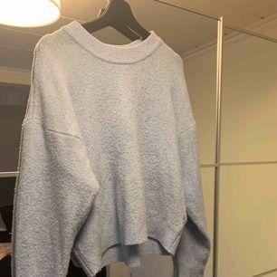 Superfin baby blå stickad tröja från H&M. Välanvänd. Frakt tillkommer