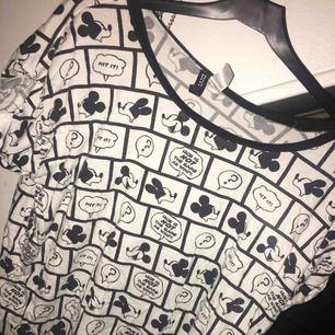 Disney tröja från H&M, mussepigg. Betalning sker via swish och köparen står för ev. Fraktkostnader.