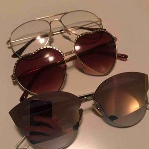 massor av solbrillor till salu! 25kr styck (40kr inklusive frakt) vid köp av fler kan pris diskuteras ☀️✨ tar swish (HJÄRTFORMADE GLASÖGON SÅLDA)
