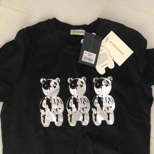 HELT NY tröja från Marlene Birger! Lapparna kvar :)