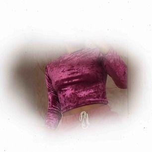 ♡ Långärmad i sammet från H&M ♡ Använd 1 gång