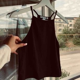 Perfekt topp till kjol eller högre byxor