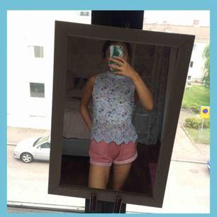 ♡ Ljusblått linne med blommor ♡ 59:- inkl. frakt ♡ Knäpps i nacken