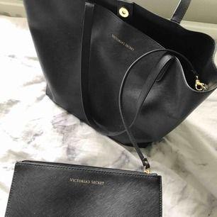 Victoria Secret-väska. Köptes för 500 kr! Köpare står för frakt 🤩