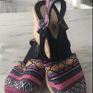 Säljer helt nya skor från indiska