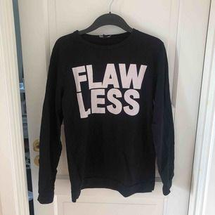 Svart FLAWLESS tröja från Dead Legacy i storlek M. Frakt tillkommer.
