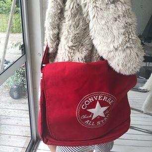 Converse väska Frakt 70kr
