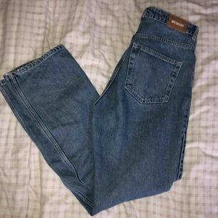 Assnygga Weekday jeans i modellen Row💕Frakt tillkommer