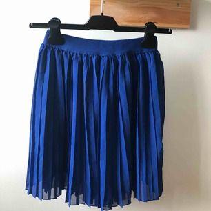 Kjol från Na-Kd köpt i somras men aldrig använd.