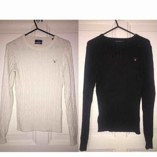 En vit och svart gant tröja köpta för ca 2 år sedan men endast använda några gånger. Strl S. Ena köpt på NK i Stockholm och den andra köpt på Gant i Mall of scandinavia. Ny pris 1300kr, priset kan diskuteras.