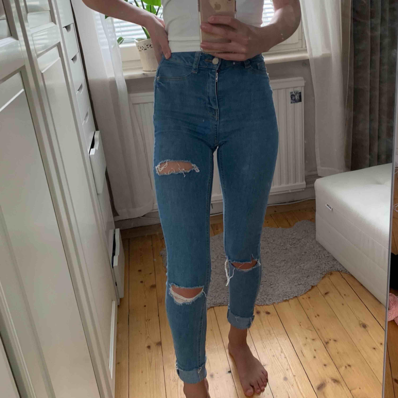 Jättesköna och stretchiga jeans från Gina tricot 💓 Om du undrar något eller vill ha fler bilder är det bara att fråga! . Jeans & Byxor.
