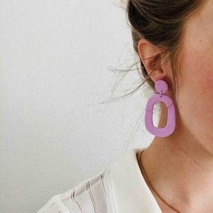 Handgjorda örhängen, frakt 9 kr 💜
