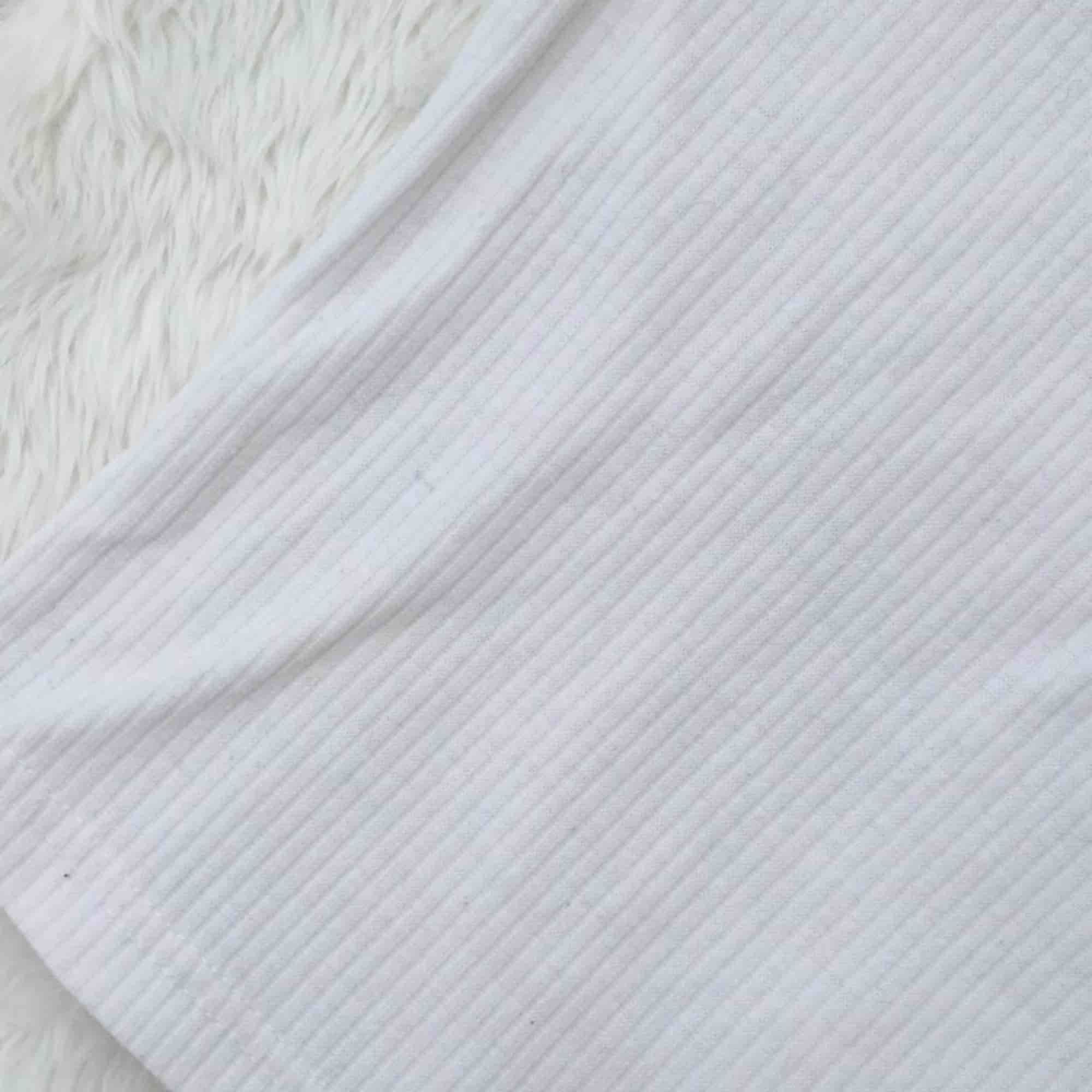 Snyggt enkelt ribbat linne. Från BikBok i storlek S. Sparsamt använt. Frakt inräknat i priset.. Toppar.