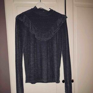Festlig tröja från Gina tricot