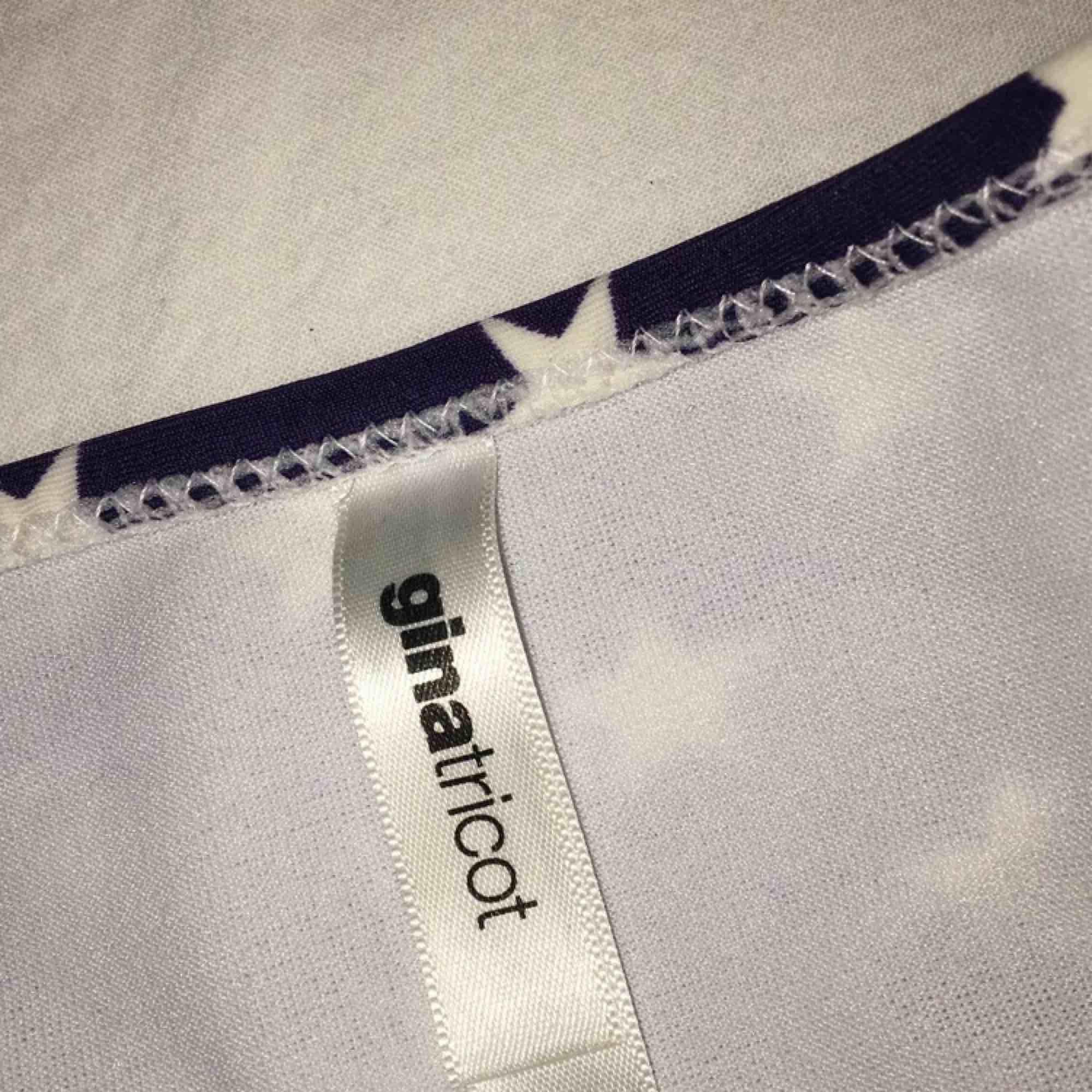 Bikinitrosor med amerikanska flaggan. Storlek M. Använd ett fåtal gånger så i bra skick. Frakt ingår i priset.. Övrigt.