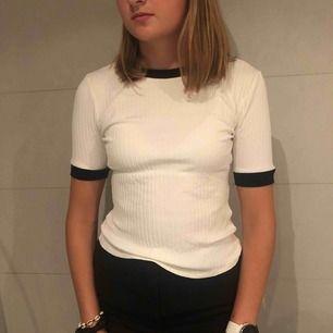 Super fin och stilig tröja från Zara!