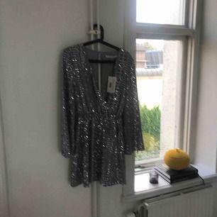 Ny klänning från Ivy Revel!  Köparen står för frakten