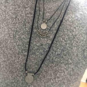 """Halsband aldrig använd. """"Tre halsband i ett"""" Frakt ingår i pris och tar swish!"""