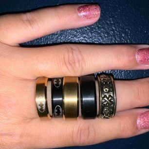 5 olika ringar med olika modeller. 1 ring för 55kr. 2st för 80kr. Alla 5 för 200kr. Skriv för mer info!