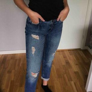 Baggy mom jeans, köpta second hand. Säljer för 200 kr inkl frakt!!