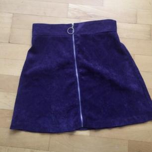 Säljer denna lila manchester kjolen! Den är helt ny och aldrig använd då den är för liten för mig 💜