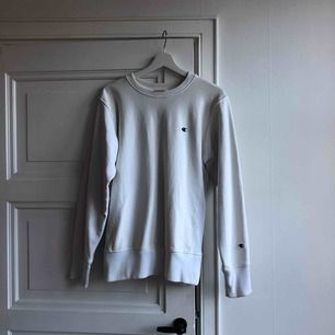 2 gr använd champion hoodie vit clean