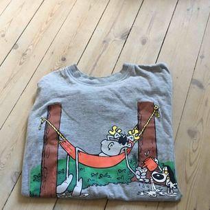 Vintage t-shirt från tecknade serien Hälge. I mycket gott skick 🌸